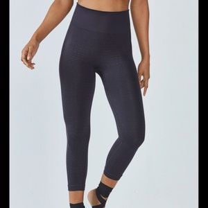 Fabletics Bridget Seamless Capri Legging